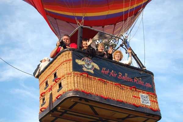 Thanksgiving hot air balloon rides